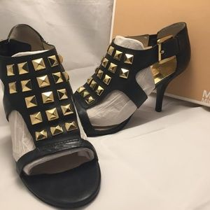 Michael Kors Black and Gold Leather Heels